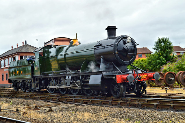 Churchward 2-8-0 runs round at Kidderminster