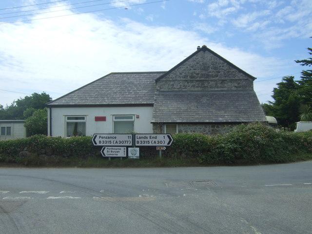 House on the junction, Trevescan