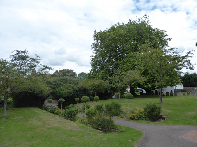 St Mary Magdalene, Wartling: churchyard (3)