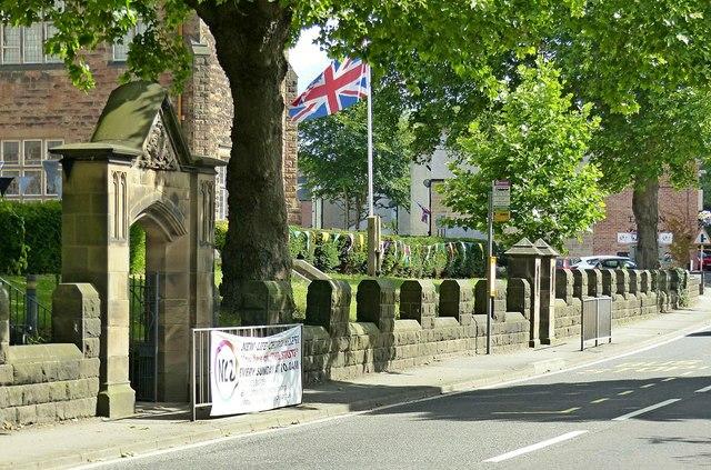 Boundary wall, Strutts Community Centre