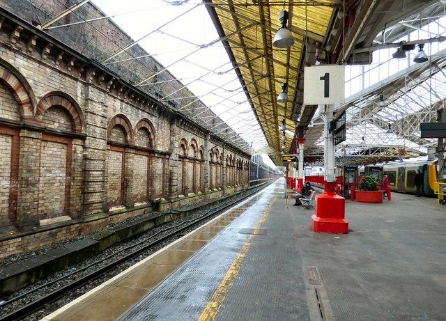 Crewe Station platform 1
