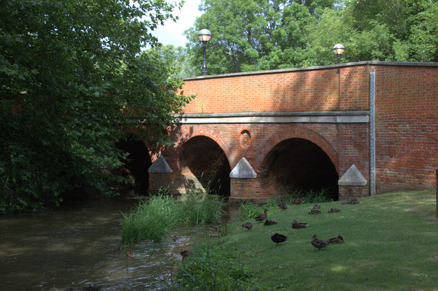 Leatherhead bridge from the east bank of the River Mole