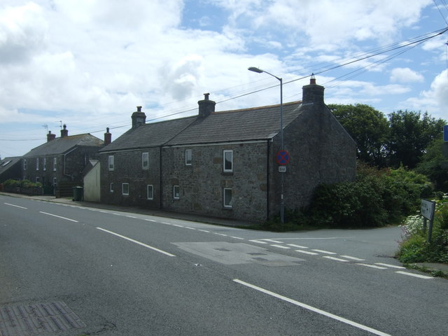 Cottages on the A30, Crows-an-wra