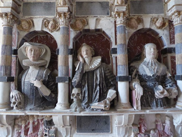 Effigies on the Vaulx memorial