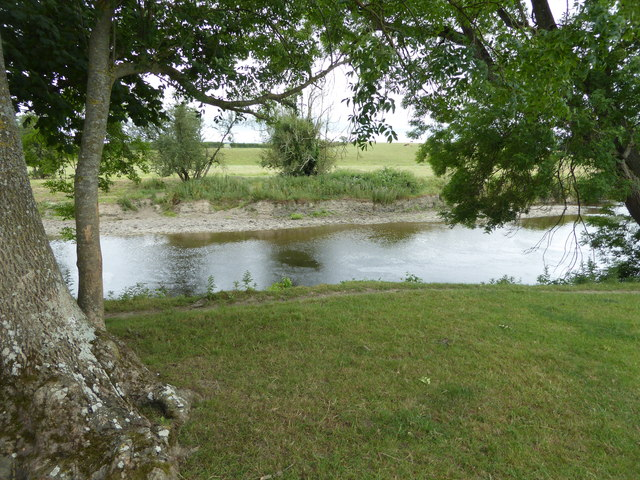 Section river bank on the River Severn near Berriew