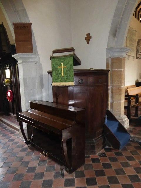 St Mary Magdalene, Wartling: pulpit