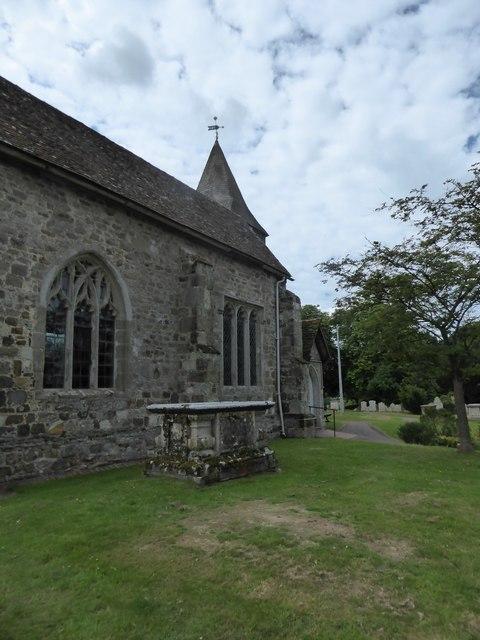 St Mary Magdalene, Wartling: churchyard (5)