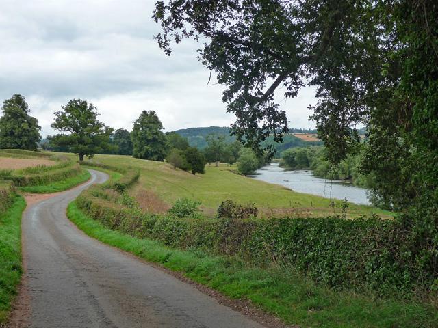 Country road near Foy