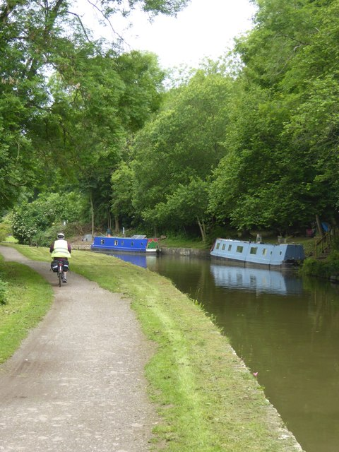 Mooring space by canal near Winsley