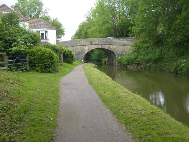 Stokeford Bridge over canal