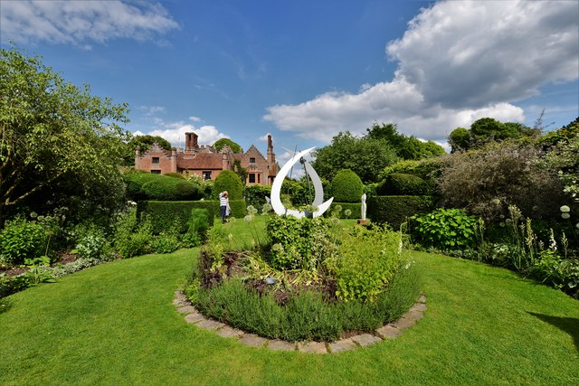 Chenies Manor House: Garden sculpture 3
