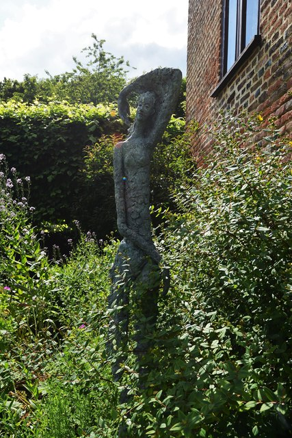 Chenies Manor House: Garden sculpture 4