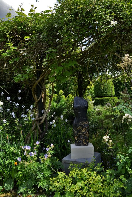 Chenies Manor House: Garden sculpture 5