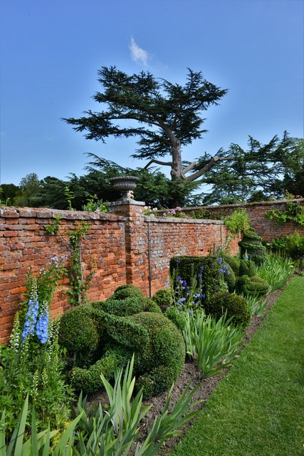 Helmingham Hall: The Topiary Border
