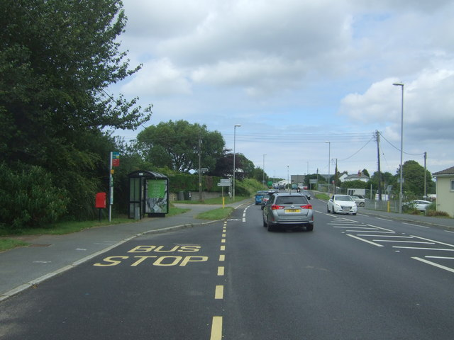 Bus stop and shelter on the A30, Rose-an-Grouse