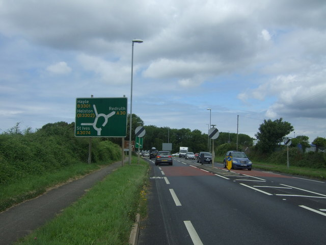 Approaching roundabout on the A30, Griggs