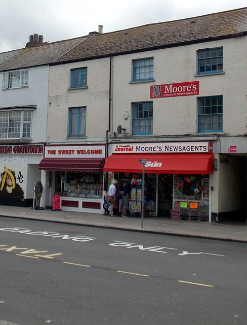Moore's Newsagents, Strand, Exmouth