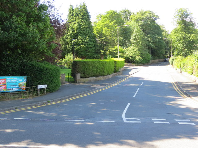 Crossbeck Road at its junction with Cowpasture Road in Ilkley
