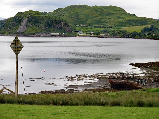 Coastal scenery at The Little Horseshoe, Kerrera