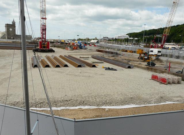 Construction of a navigational cut