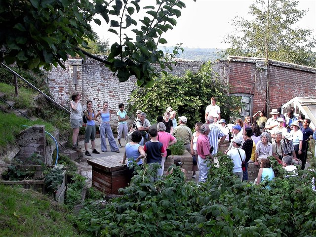 Friends of the Pestalozzi Estate in the old walled garden