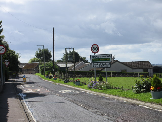 A911 entrance to Kinnesswood