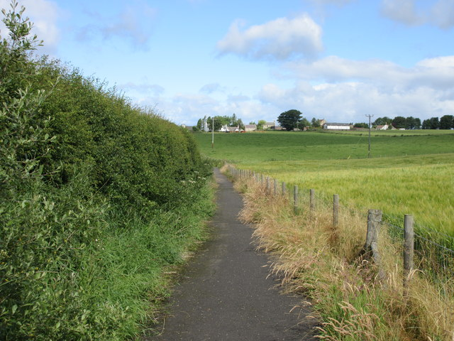 Pathway by the A911