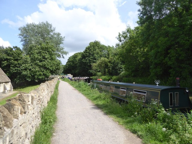 Canal towpath passing the Tithe Barn, Bradford-on-Avon