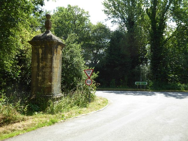 Road junction beside the Four Shire Stone