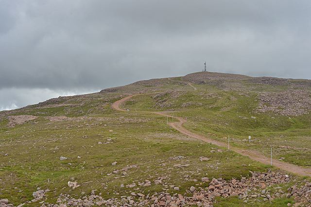 Track to the communications mast
