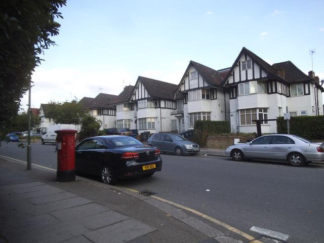 Highfield Avenue, Brent