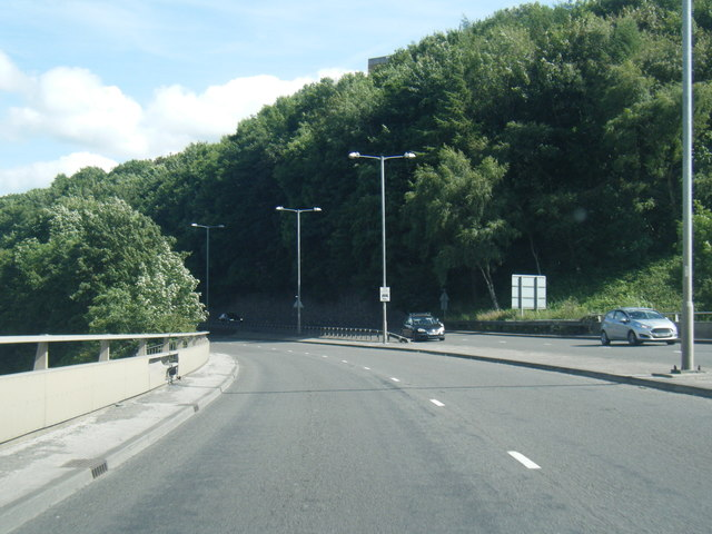 A629 Ovenden Road near Dean Clough