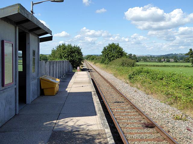 Chetnole station platform