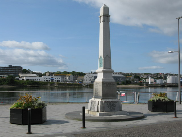 Footdee War Memorial, Pocra Quay, Aberdeen Harbour