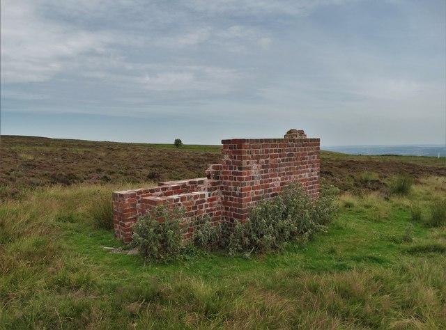 Brick ruin on Totley Moss