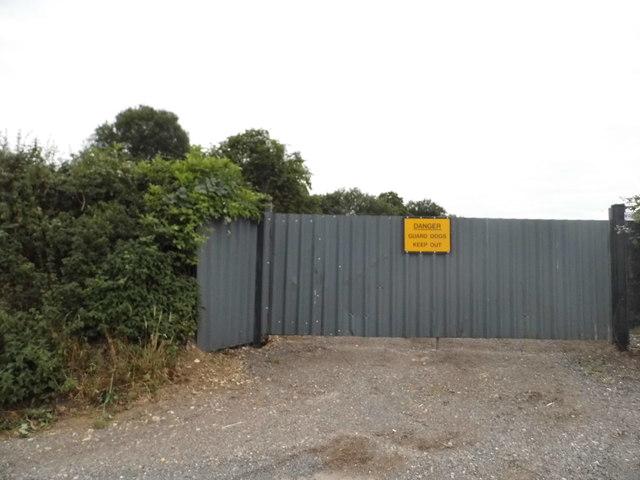 Field entrance on Gaddesden Lane