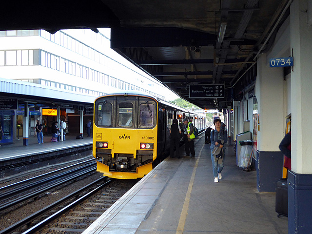 A train from Cardiff at Southampton