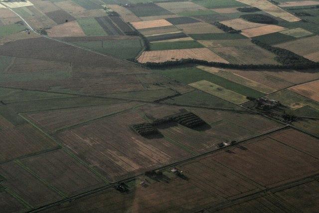 Railway, Bellwater Drain and Farm and the Deeps, near Thorpe Fendykes: aerial 2017