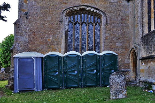 Chipping Campden, St. James Church: The discreetly sited Music Festival portaloos