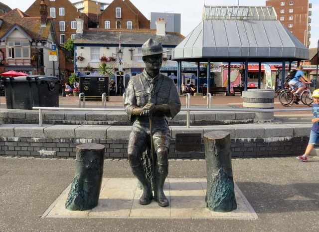 Statue of Robert Baden-Powell by the quay