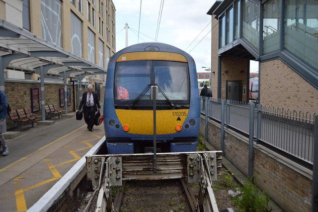 Train at platform 6, Cambridge Station