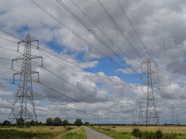Power lines Owston Rd West Stockwith