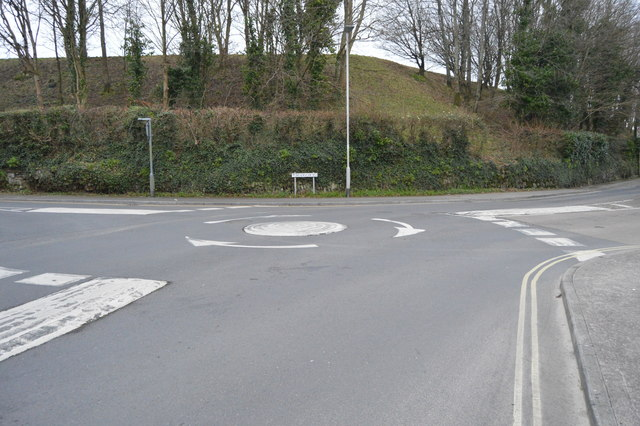 Roundabout, Higher Compton Rd