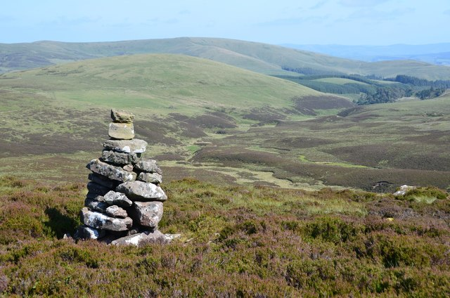 Cairn on White Craig Hill (2)