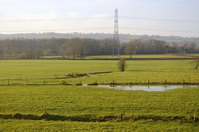 Flat fields and pylon