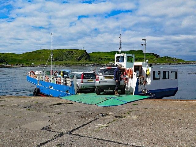 Cuan Ferry, Seil