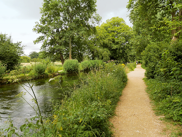 Mottisfont Abbey Gardens, Riverside Path
