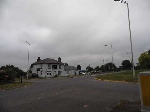 Roundabout on Dagnall Road, Eaton Bray