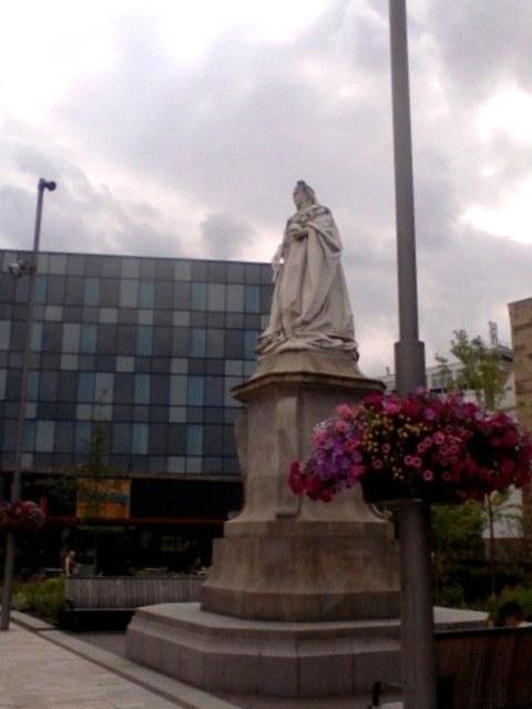 Queen Victoria statue, The Boulevard, Blackburn
