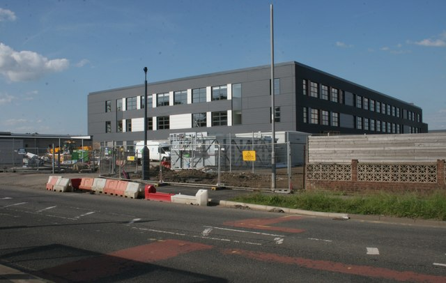 New building, Aurs Road